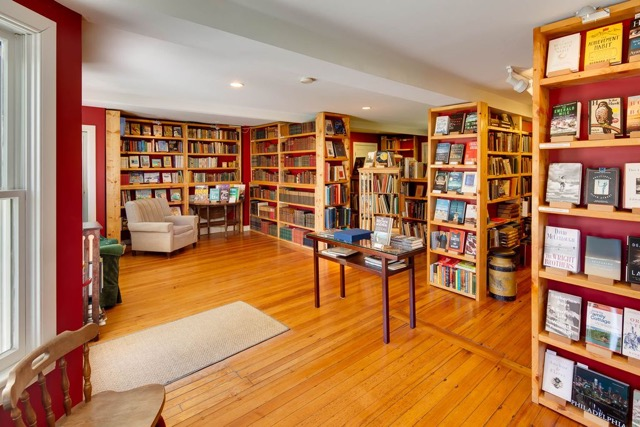The space that is home to Artisan Books & Bindery will house Main(e) Point Books starting in June.