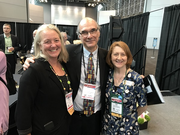 From left: Annie Philbrick, ABA CEO Oren Teicher, Pam French