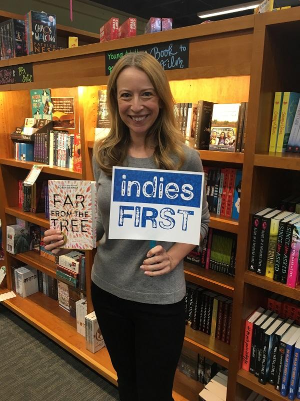 Robin Benway at Vroman's Bookstore in Pasadena, California.