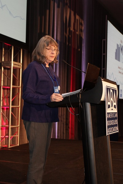 ABA President Betsy Burton welcomes booksellers to Winter Institute 11.