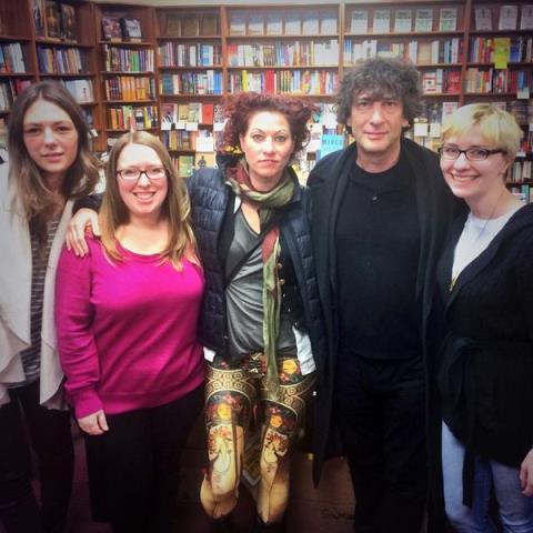 Ella Maslin, Suzanna Hermans, Amanda Palmer, Neil Gaiman, and Nicole Brinkley at Oblong Books & Music