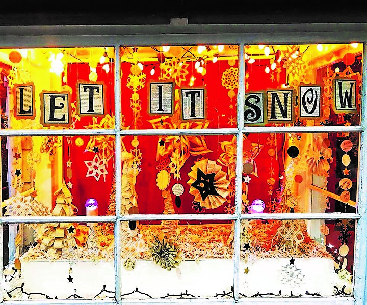 Golden Notebook holiday window