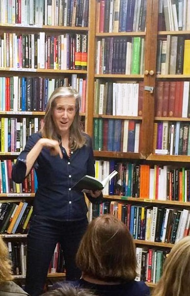 Green Apple Books in San Francisco hosted Mary Roach, author of Packing for Mars, Stiff, Spook, Bonk, and Gulp.