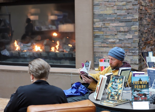 Booksellers enjoy Ingram's Indies by the Fireside in the Albuquerque Convention Center.