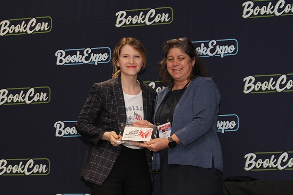 Author Tara Westover and ABA President Jamie Fiocco
